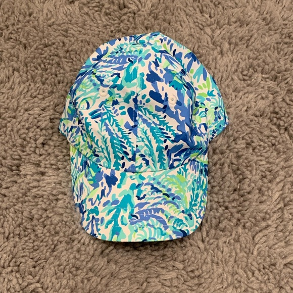 Lilly Pulitzer Run Around Hat in Race the Wave